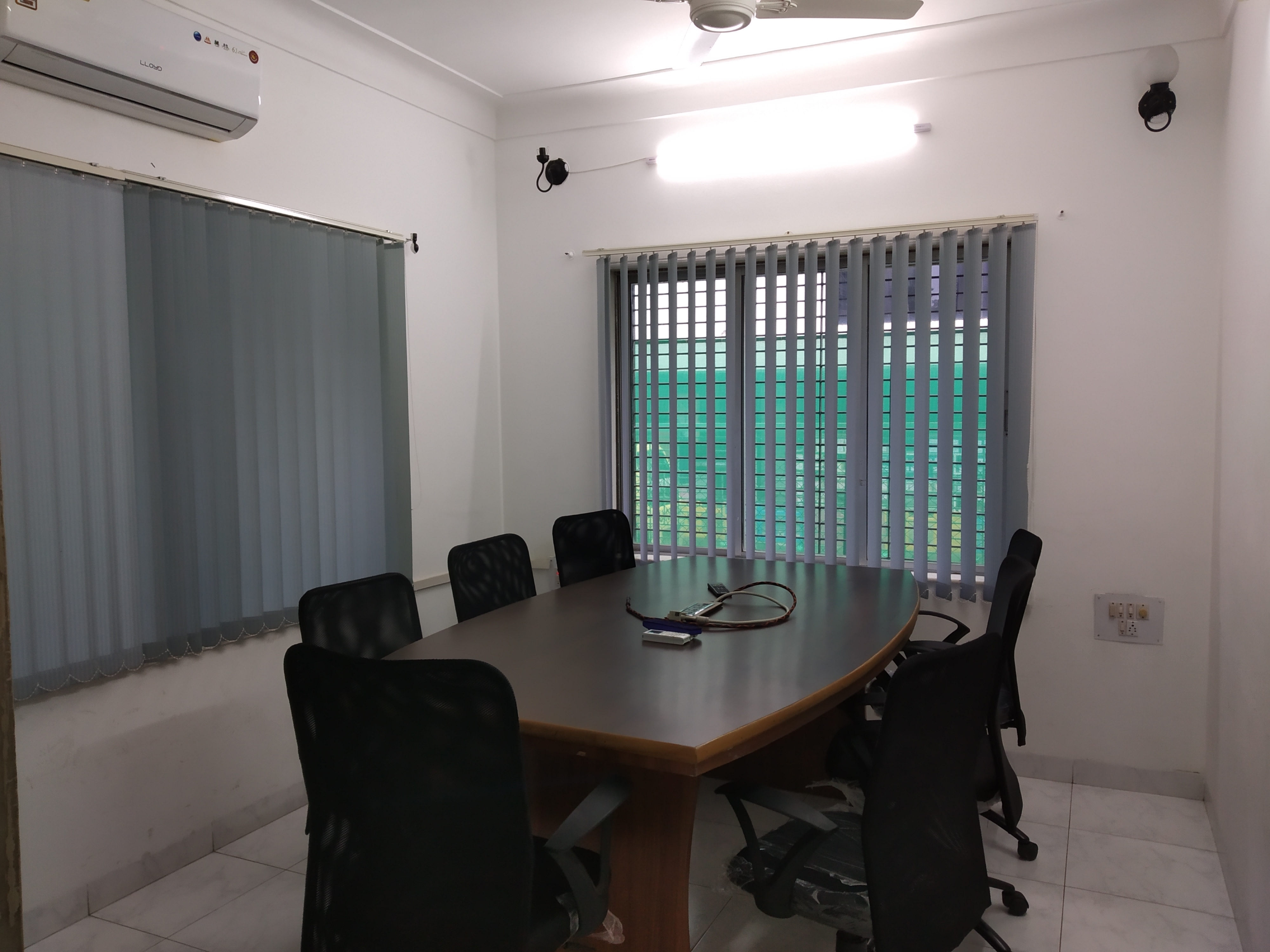 Shared office for rent